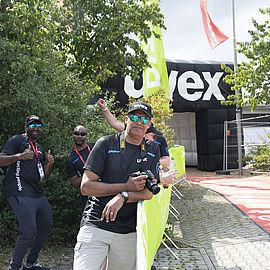 mitarbeiter-der-uvex-group-aus-südafrika-zu-besuch-und-als-support-an-der-strecke