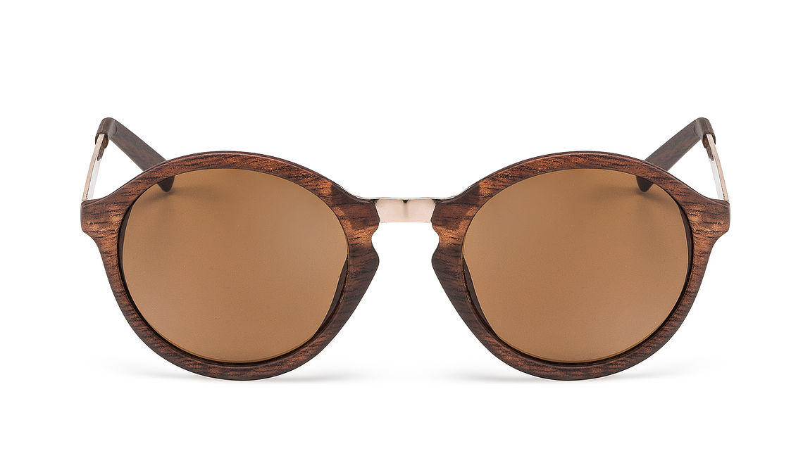 [Translate to Deutsch:] front view wooden sunglasses