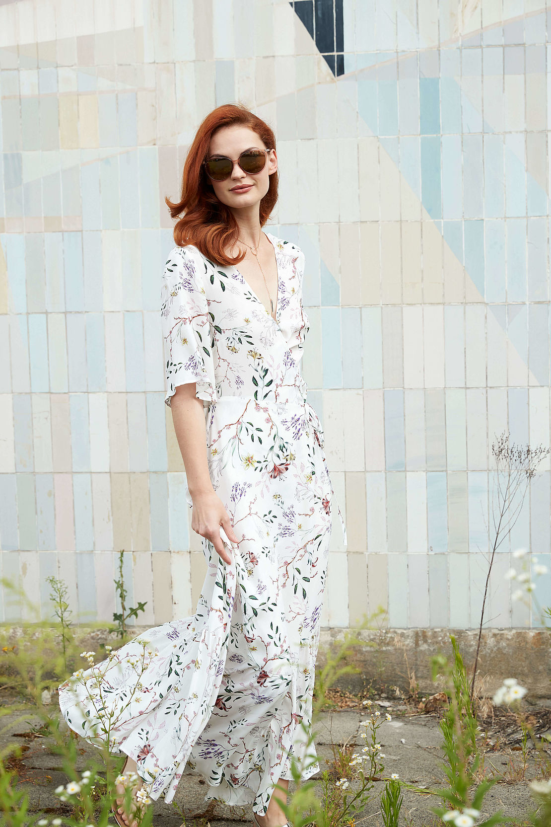 Frau mit Cateye Sonnenbrille Modell 3024709