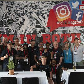 mitarbeiter-der-uvex-group-südafrika-challenge-roth-support-team