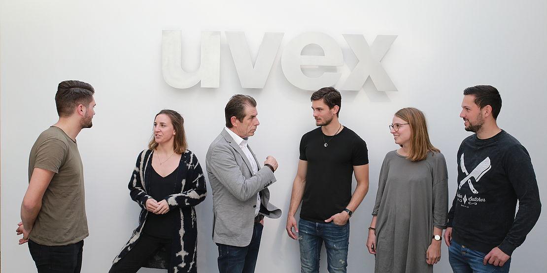 besuch-von-studenten-des-campus-m21-bei-der-uvex-group-am-standort-fürth