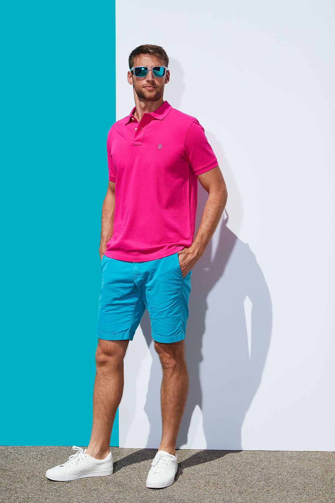 Mann mit polarisierter Sonnenbrille Modell 3025709