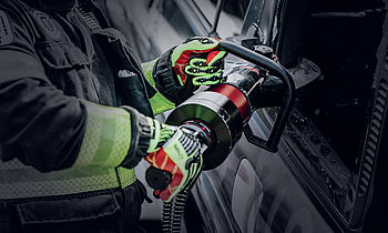 Occupational safety products for roadside assistance and rescue in the automotive industry