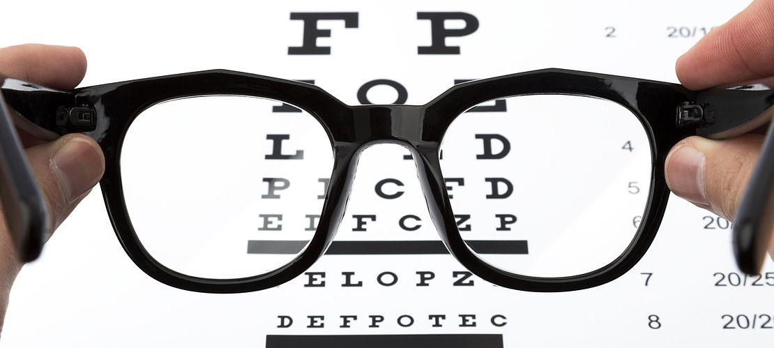 Reading glasses, aspheric lenses
