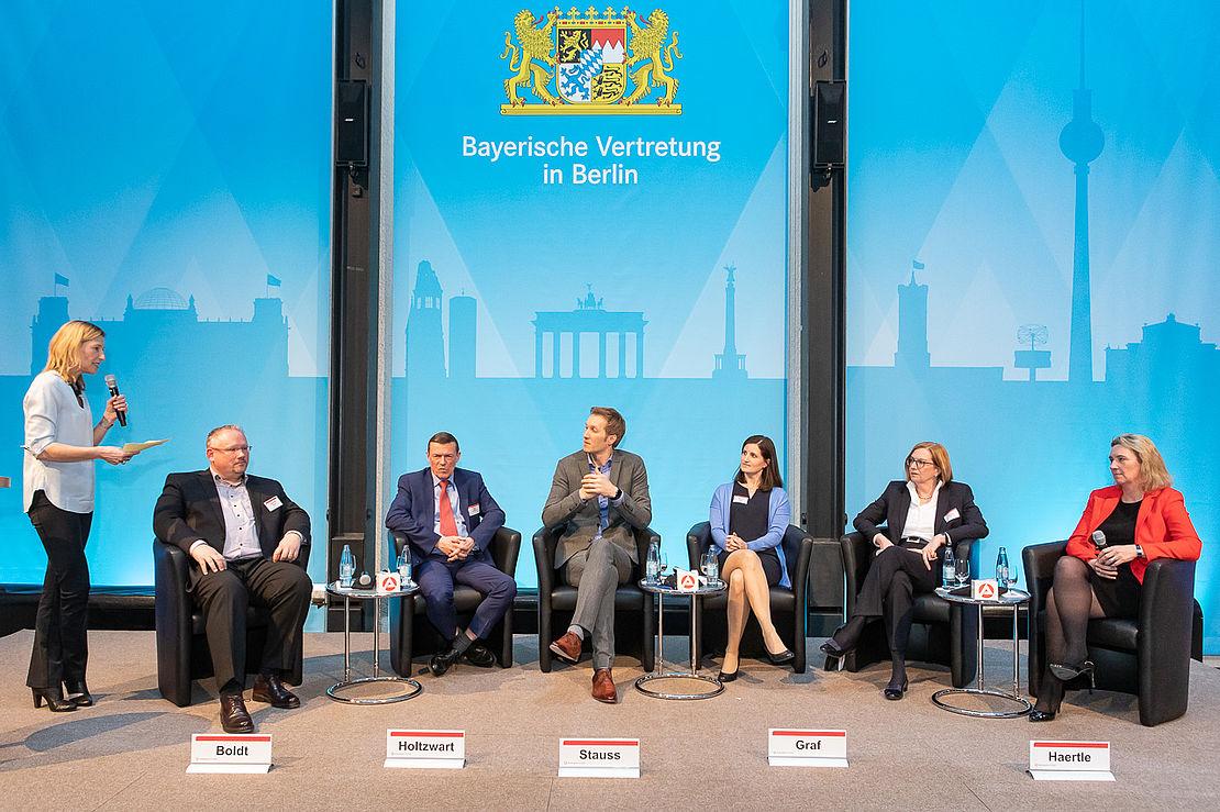 blickpunkt-arbeitsmarkt-die-uvex-group-im-gespräch-mit-der-bayerischen-staatsministerin-für-familie-arbeit-und-soziales