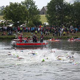 schwimmstart-challenge-roth-triathlon-kanal-uvex-group