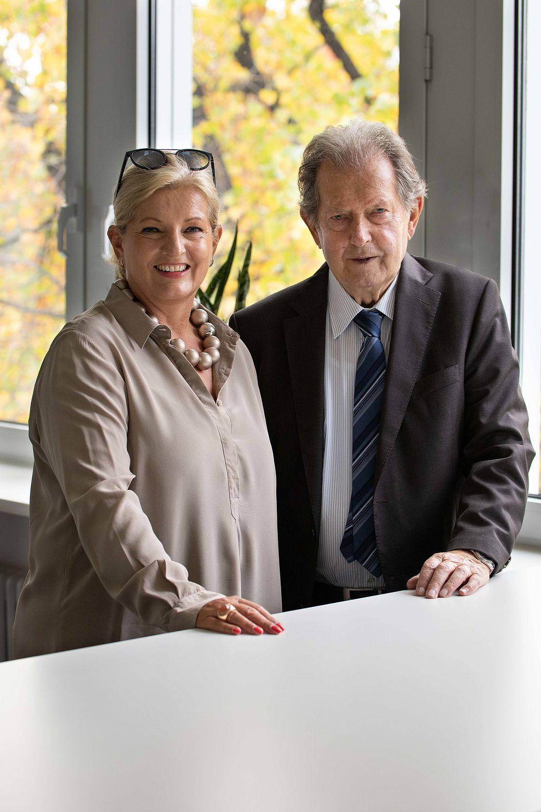 Die Stiftungsvorstände: Rainer Winter der Stiftungsgründer und Gabriele Grau
