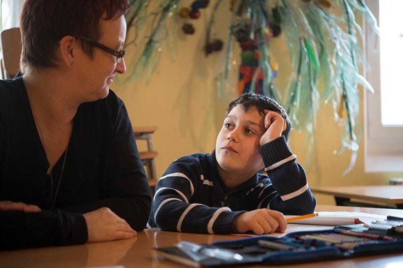 In der Lobsinger Stube in Nürnberg erhalten Kinder intensive Nachhilfe für die Schule.
