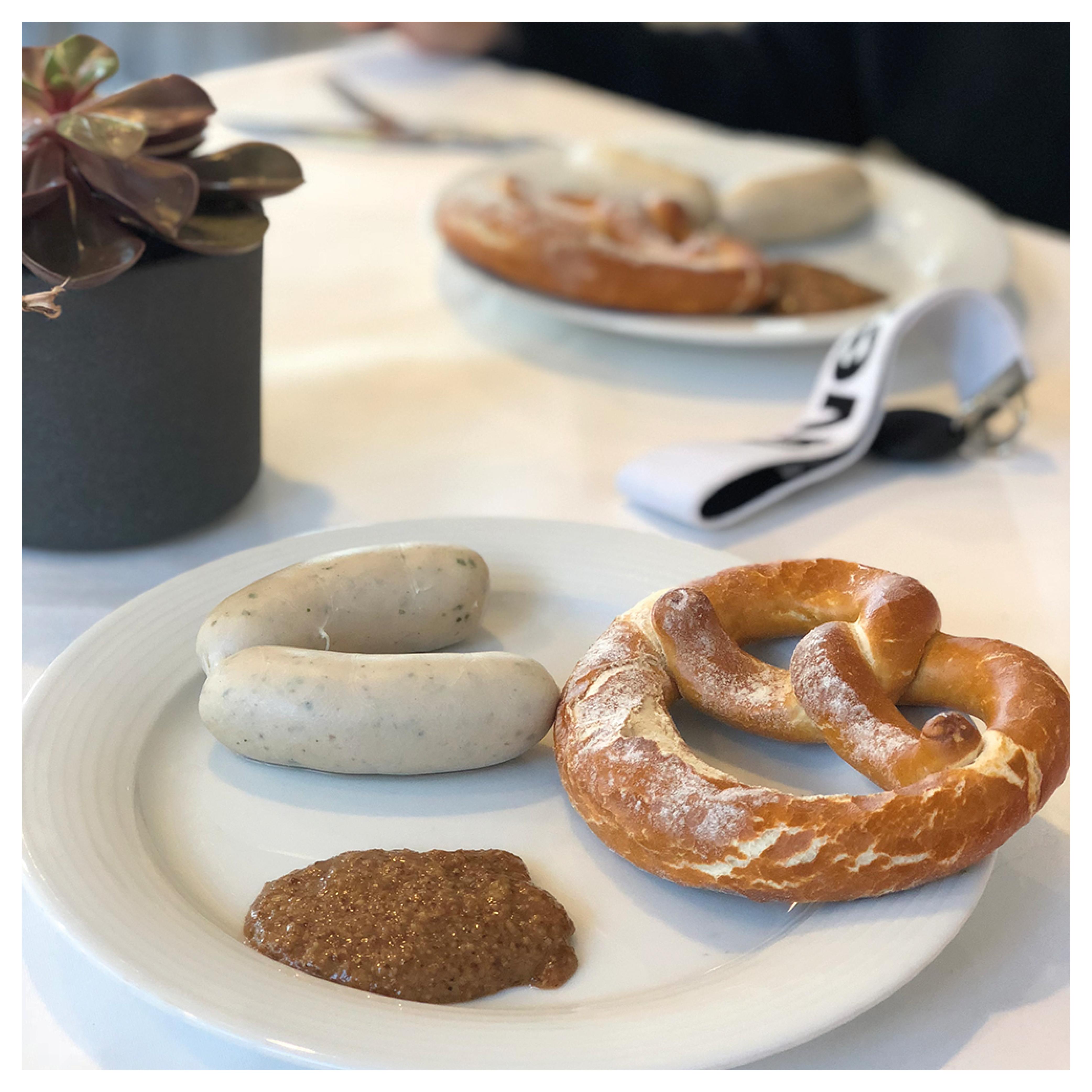 Weisswurst Frühstück in der uvexeria Kantine in Fürth bei der uvex group