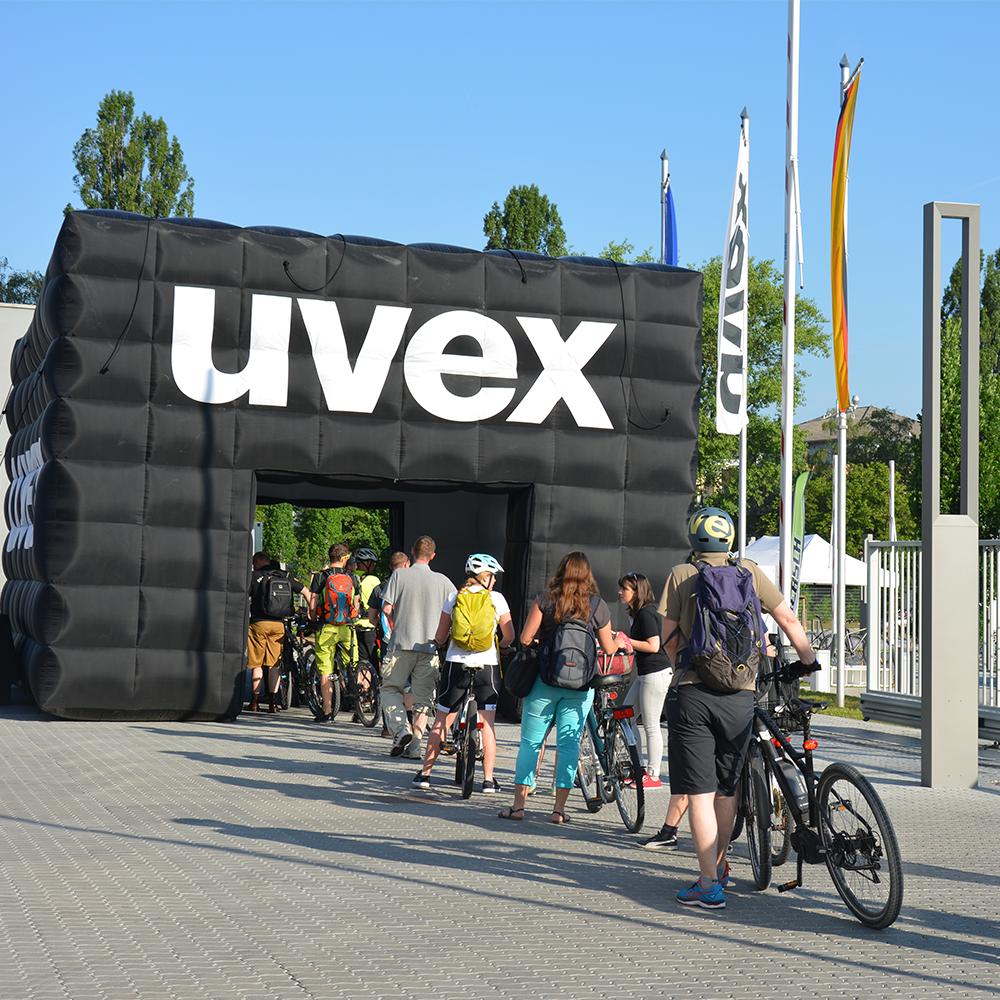 Ride for Kids uvex group Mitarbeiter mit dem Fahrrad zur Arbeit