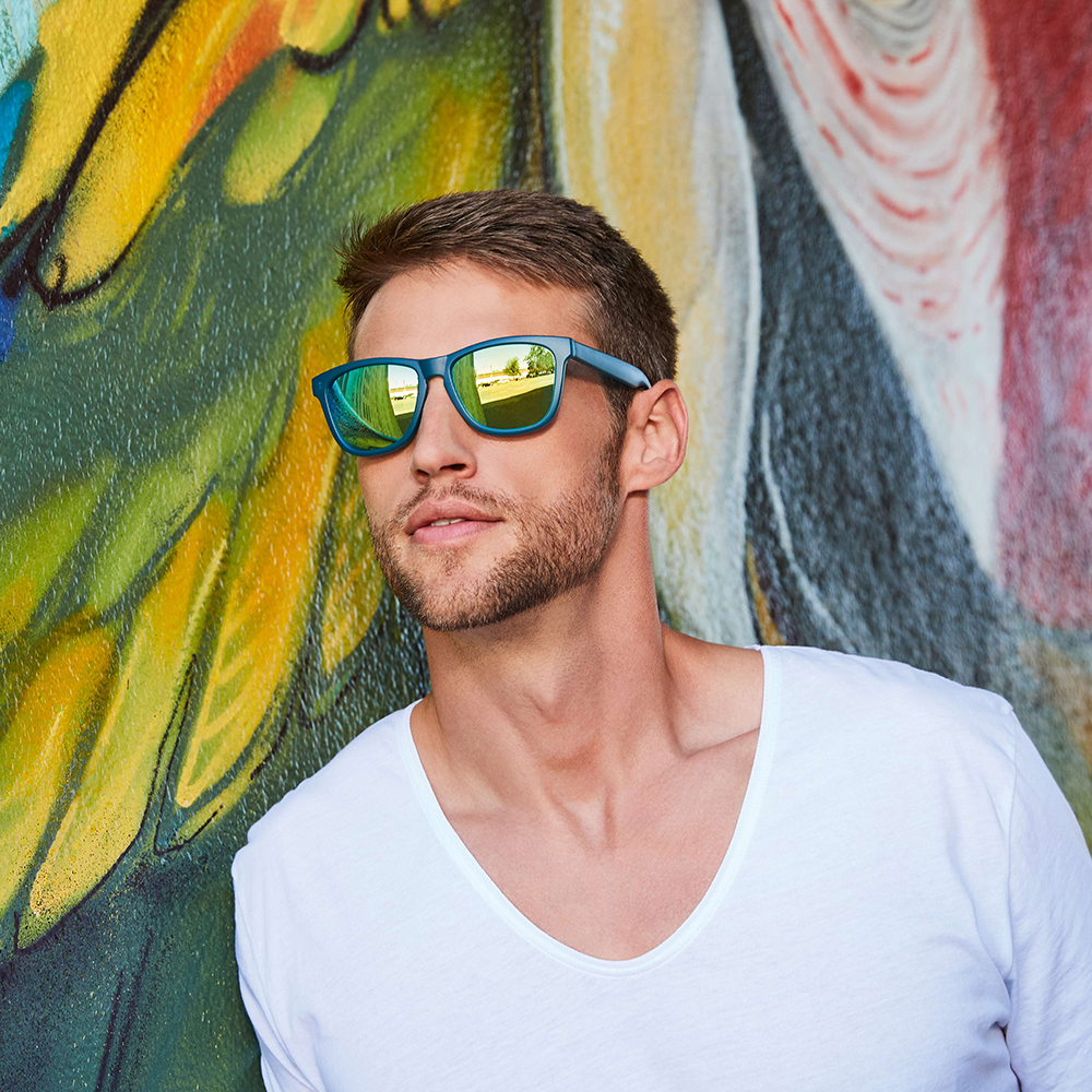 Filtral Mann mit verspiegelter Sonnenbrille