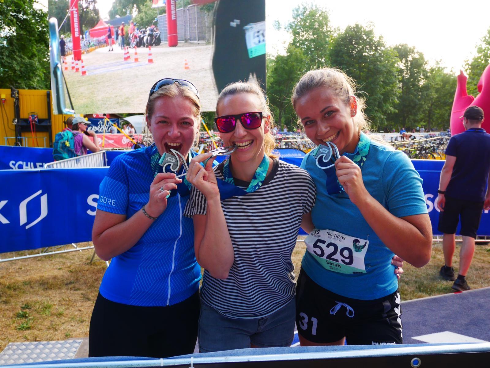 Staffelteilnehmerinnen-uvex-group-Datev-Challenge-Roth-Triathlon-Challengeforall